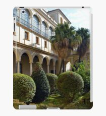 Spanish  courtyard with arched architecture iPad Case/Skin