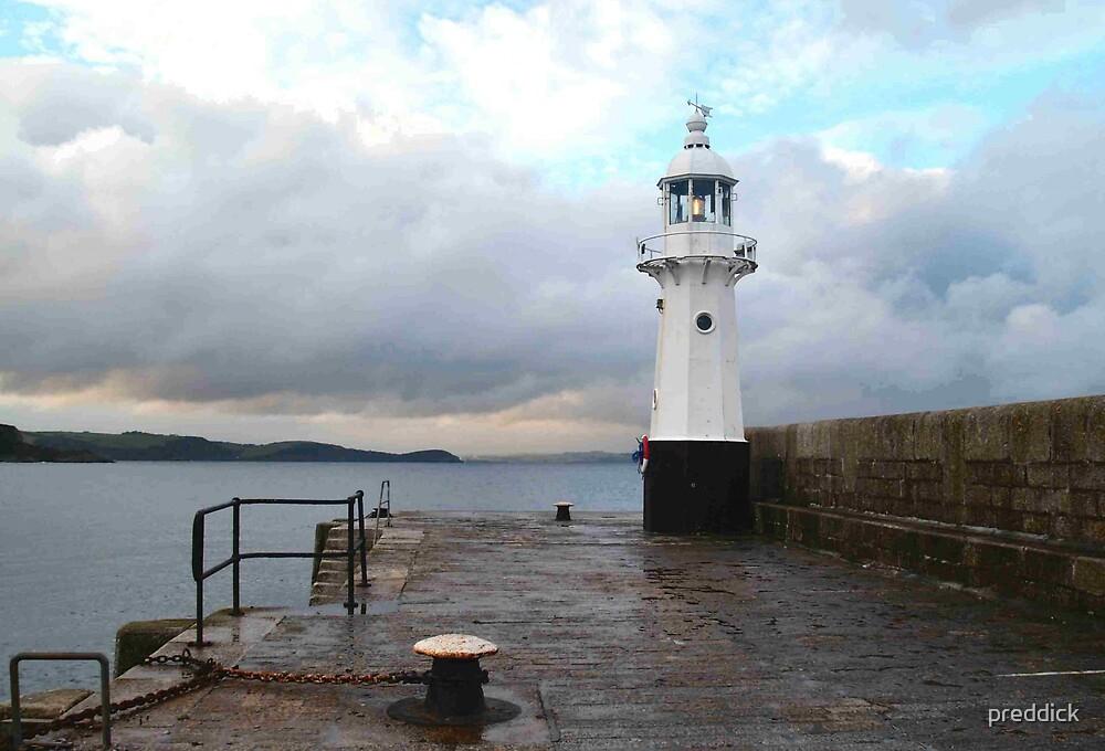 lighthouse by preddick