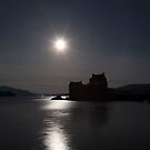 Eilean Donan Castle by Moonlight by derekbeattie