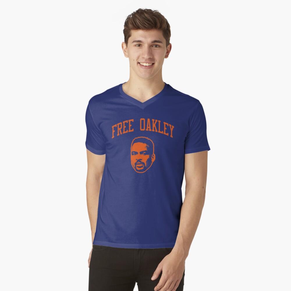 Kostenlose Oakley 4 T-Shirt mit V-Ausschnitt