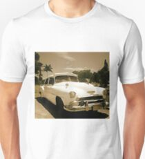Classic Old Cadillac in Cuba T-Shirt