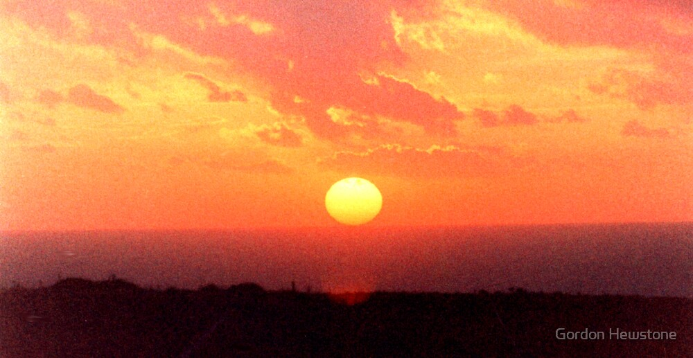 Gurnard Sunset by Gordon Hewstone