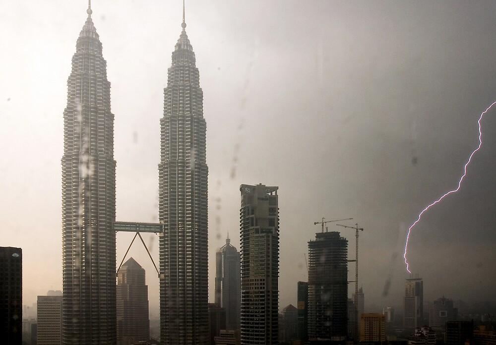 Petronas Towers - Lightning Strike by wyllys
