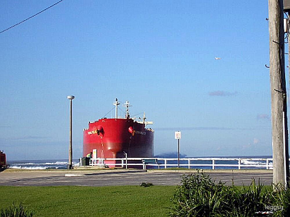 Ship to Shore by leggsy