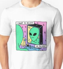 Unconfident Alien  T-Shirt