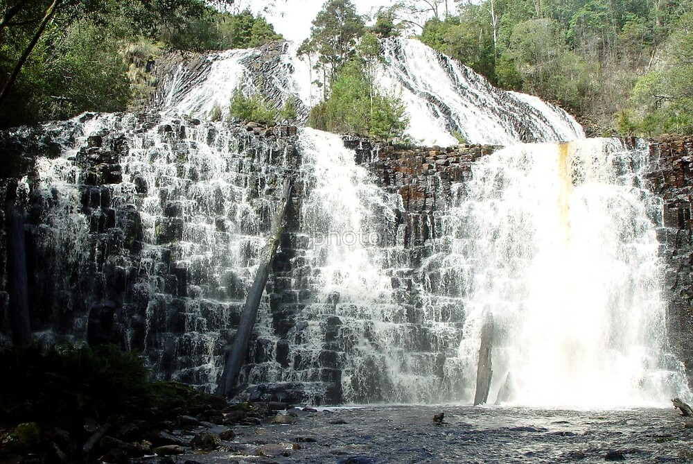 australia-tasmania dip falls by photoj