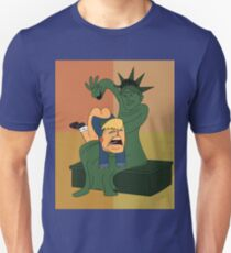 Toddler Trump Getting Spanked by the Statue of Liberty T-Shirt