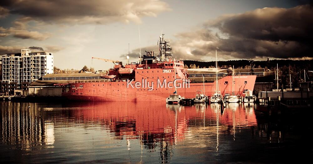 Aurora Australis by Kelly McGill