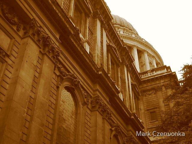 St Pauls Cathedral by Mark Czerwonka