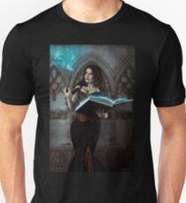 Expecto Cunicolum Unisex T-Shirt