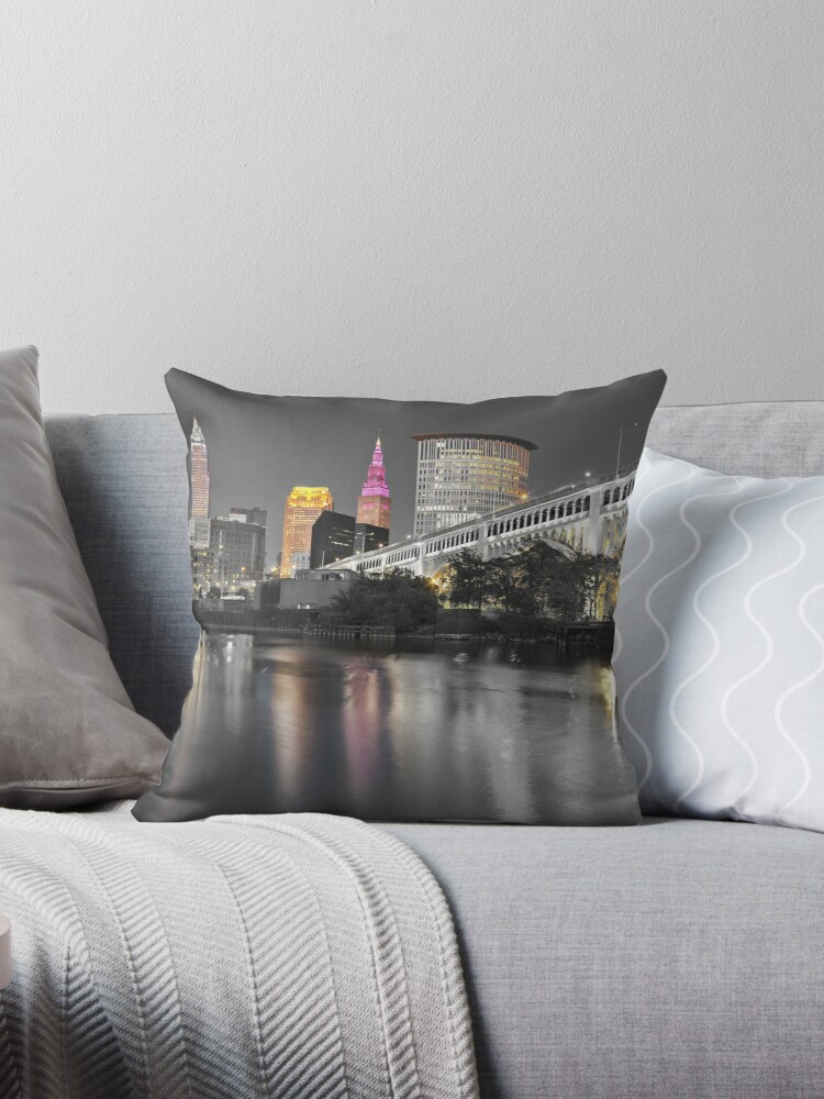 «Cleveland Touch of Color Skyline» de CanvasGuys