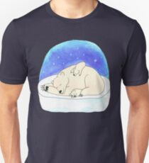 Mama polar bear with her cubs Unisex T-Shirt