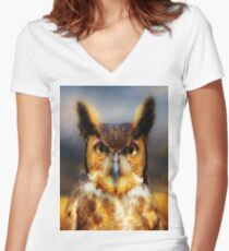 Great Horned Owl Women's Fitted V-Neck T-Shirt
