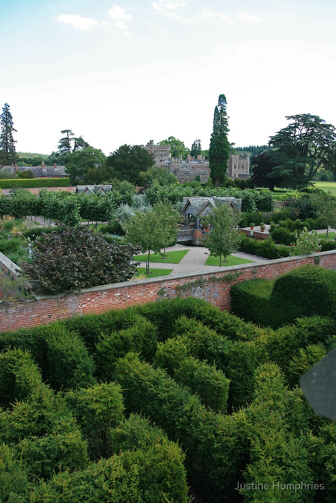 Hampton Court Gardens by Justine Humphries
