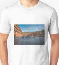 Plaza in Córdoba Unisex T-Shirt