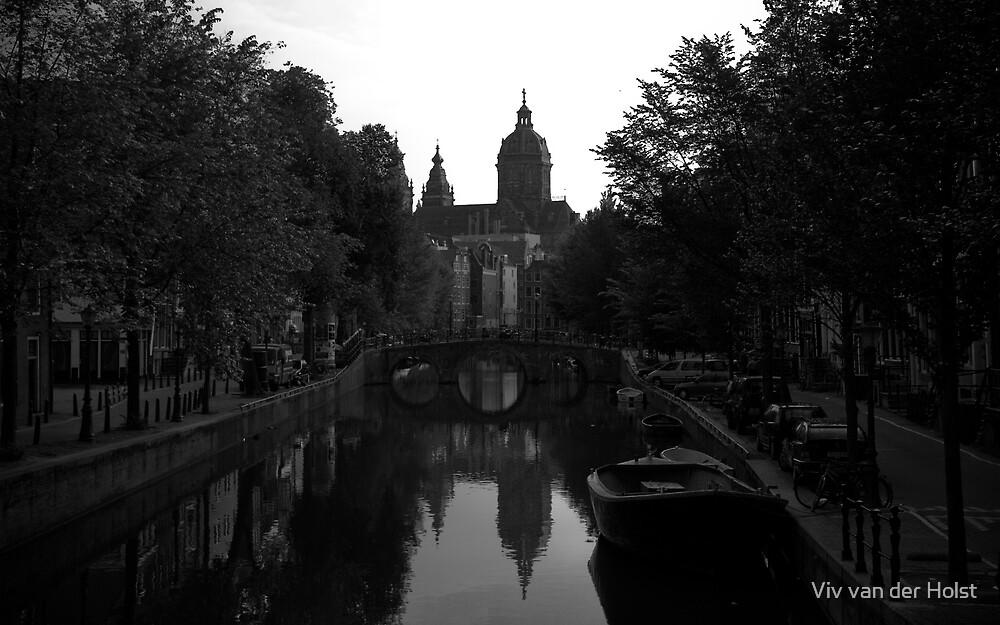 Amsterdam canals by Viv van der Holst