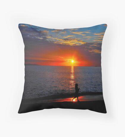 Final sunset in Fiji Throw Pillow