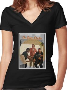 Pulp Fiction  'The Bonnie Situation' - John Travolta, Samuel L. Jackson, Quentin Tarantino Women's Fitted V-Neck T-Shirt