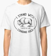 I Stand With Standing Rock - No DAPL Protest Distressed Buffalo Classic T-Shirt