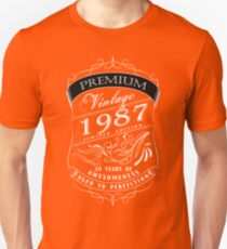30th Birthday Gift T-Shirt Vintage Limited Born 1987 Edition Unisex T-Shirt