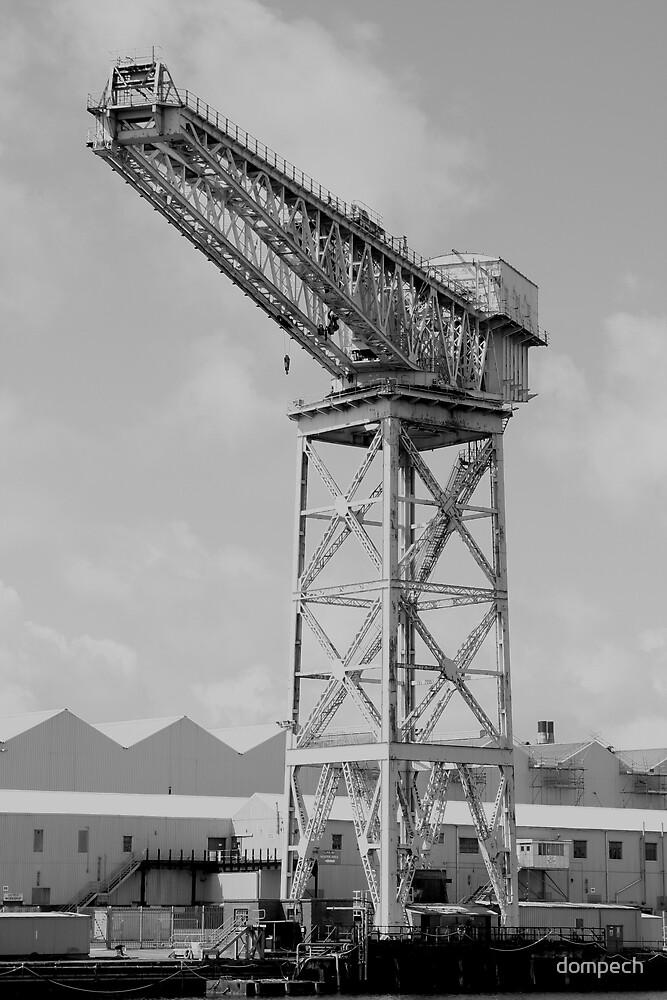 Dockside crane by dompech