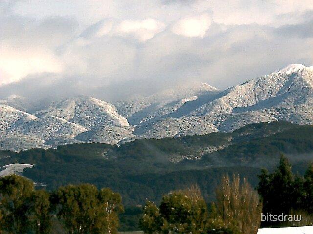 Snow  on foothills by bitsdraw