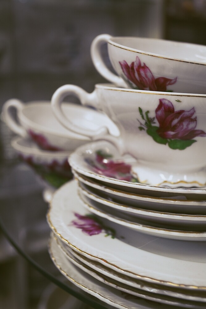 Vintage Cups by Kimberlyli