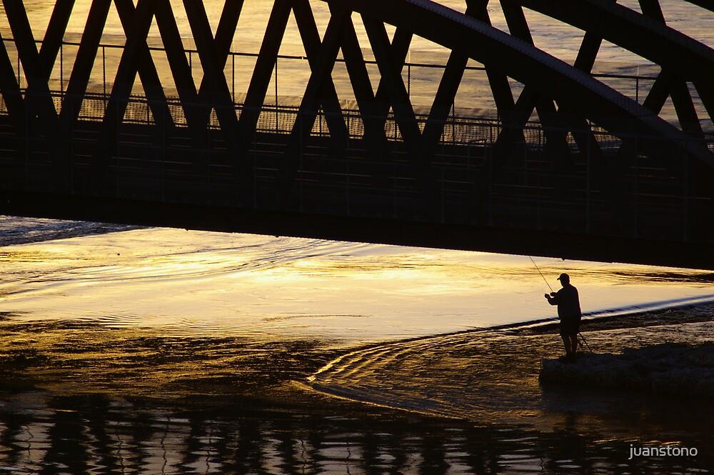 Sunset Fishing by juanstono