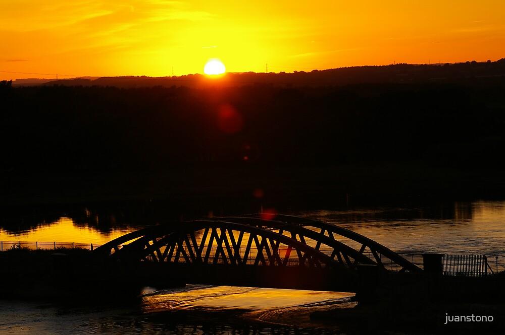 Bridge Sunset by juanstono