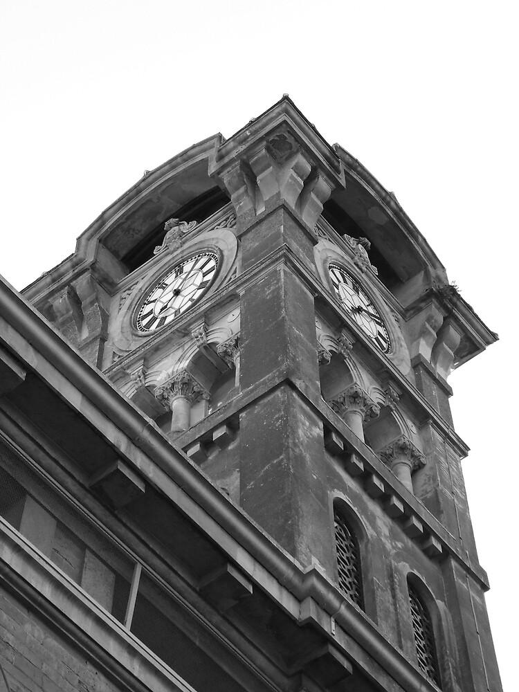 clock B&W2 by matjenkins