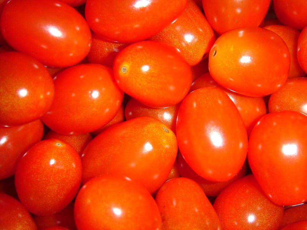 RED CHERRY TOMATOES by sky2007