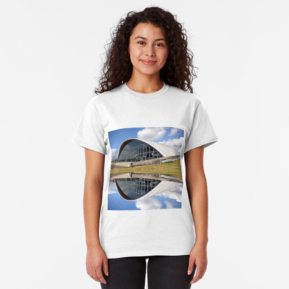 The wink of an eye Classic T-Shirt