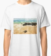 Waves and beach at Snapper Rock, New South Wales Classic T-Shirt