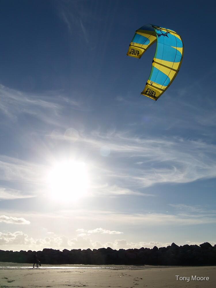 Kite 3 by Tony Moore