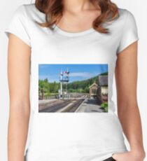 Levisham Station Women's Fitted Scoop T-Shirt