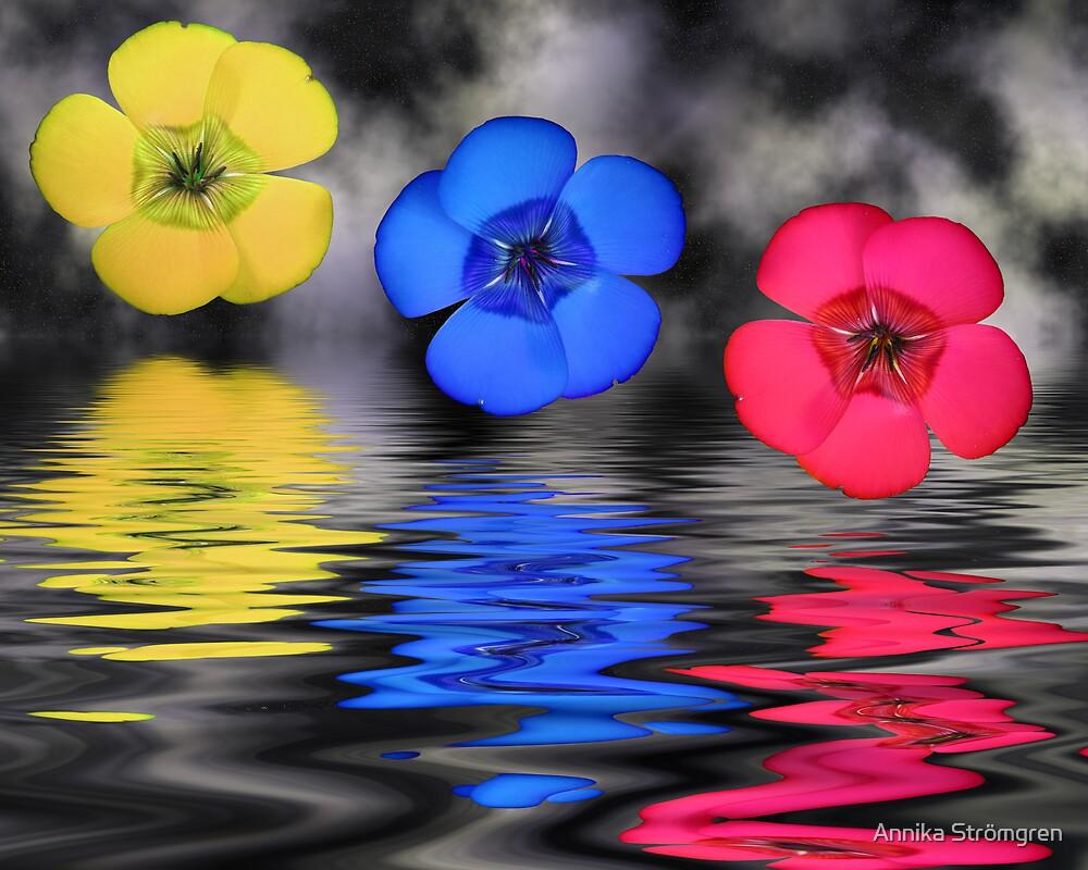 Floating flowers by Annika Strömgren