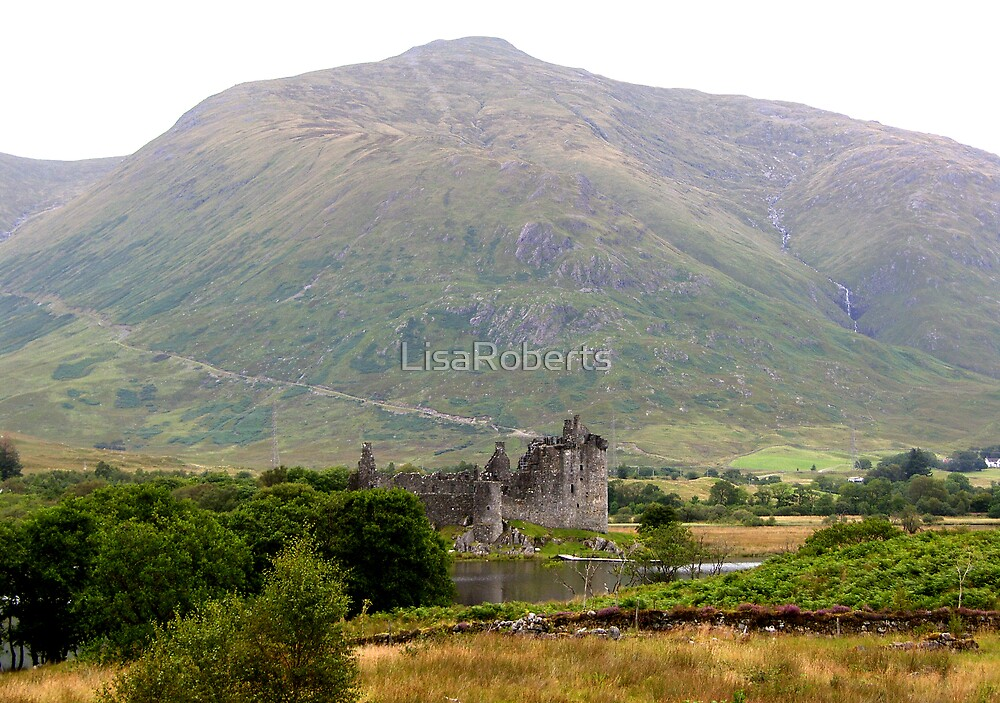 Kilchurn Castle by LisaRoberts