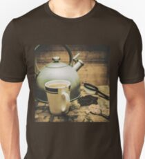 Retro vintage toned tea still life in crate T-Shirt