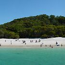 Whitehaven beach by Jayson Gaskell
