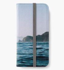 Surfing iPhone Wallet/Case/Skin