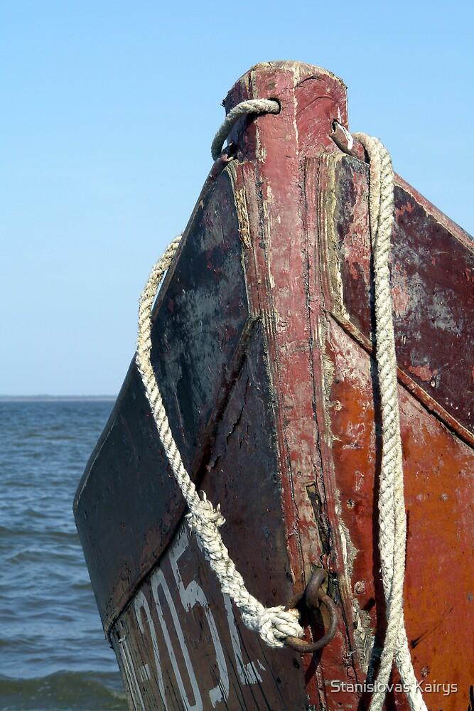 old boat by Stanislovas Kairys