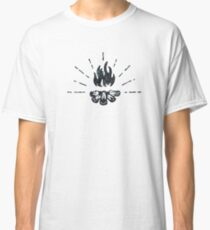 CAMPFIRE - Black and White Vintage Rustic Camping Adventure Fire Art Design Classic T-Shirt