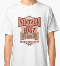 Vintage Made In 1967 Retro Birthday Gift T-Shirt Classic T-Shirt