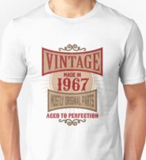 Vintage Made In 1967 Retro Birthday Gift T-Shirt Unisex T-Shirt