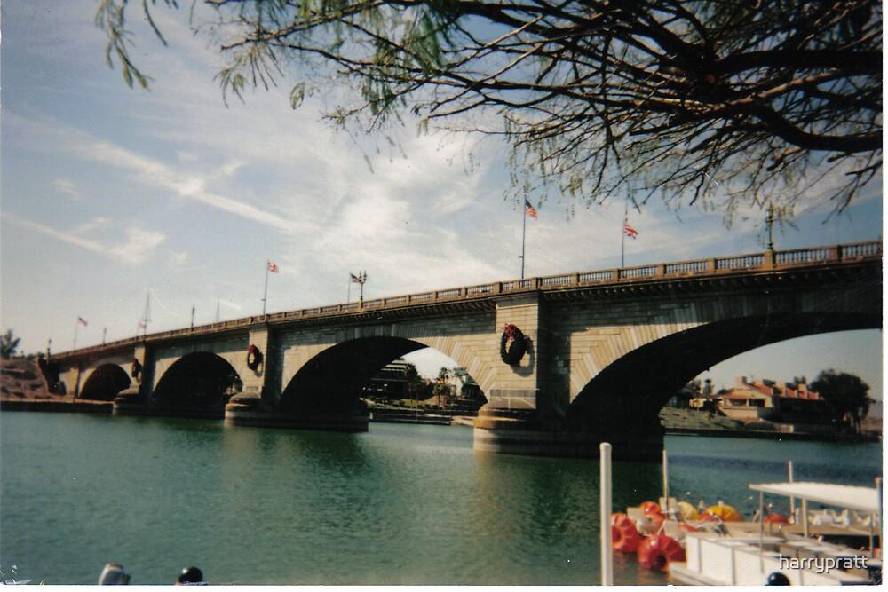 London Bridge by harrypratt