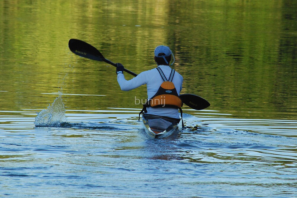 Lone Kayak by bunnij