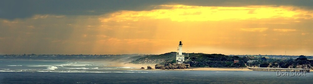 Pt Lonsdale Victoria by Don Stott