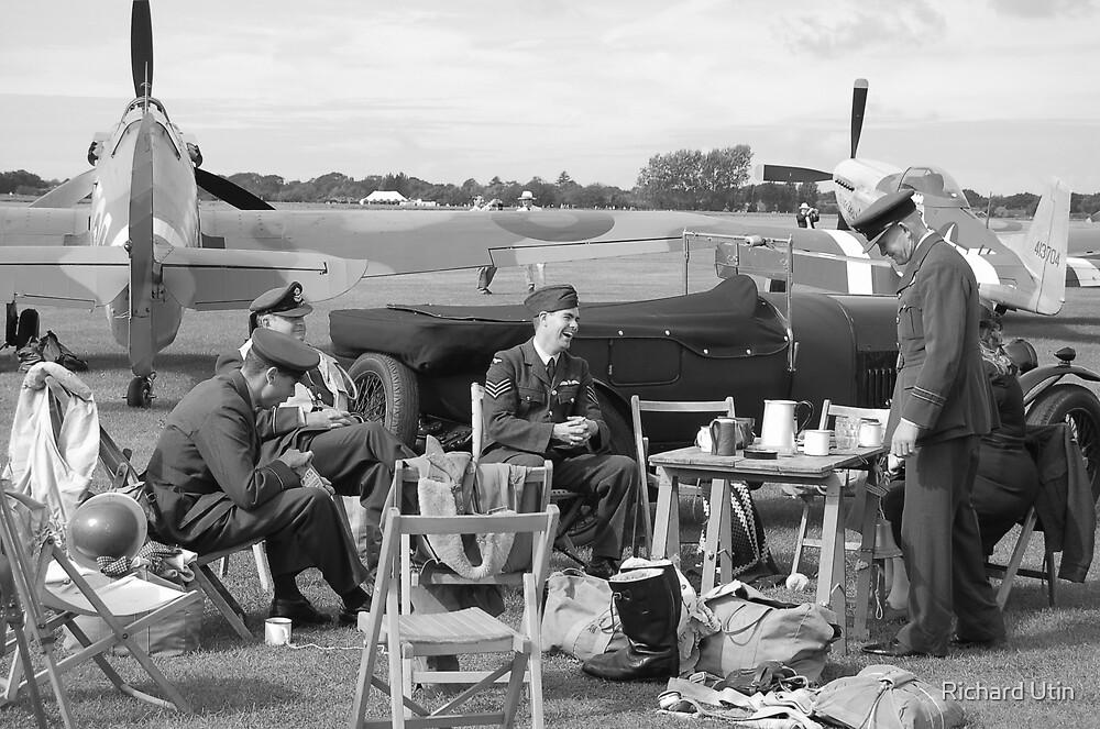 Pilots picknic by Richard Utin