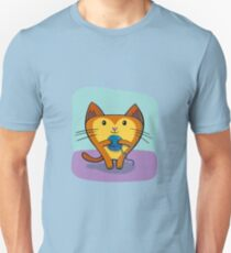 Cute Cat Playing with Ball of Yarn Unisex T-Shirt