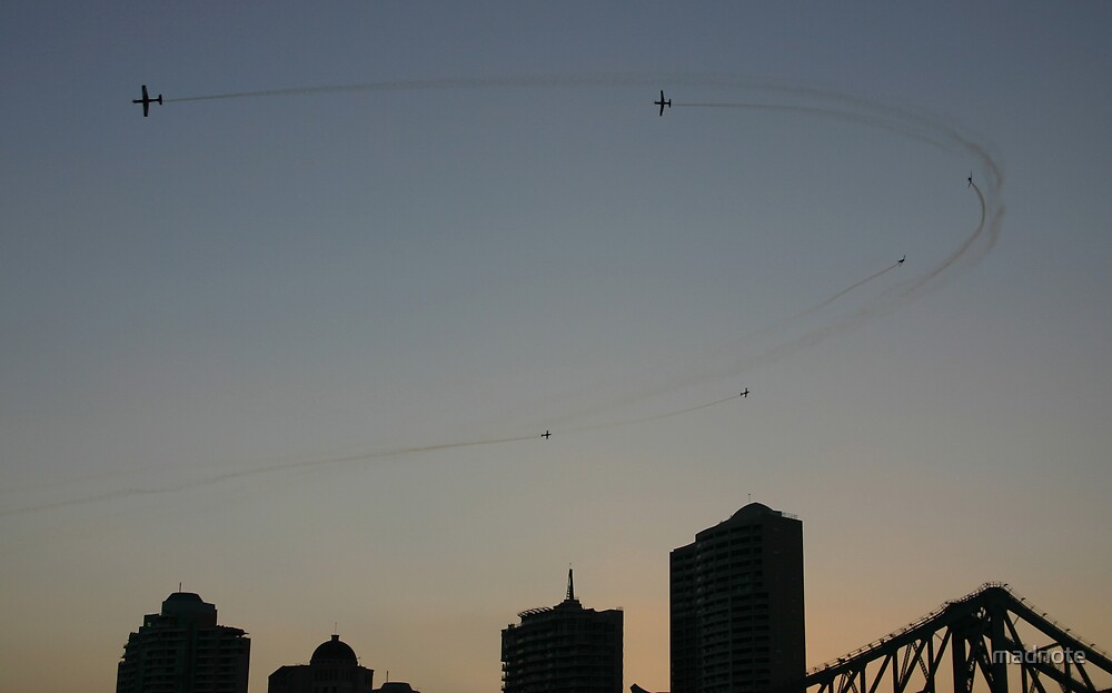 Dogfight over brisbane by madnote